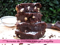 Brownie de Chocolate Amargo y Piñones